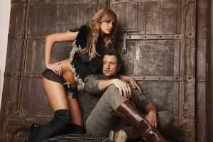 Telenovela continua. Bianca Draguanu si Catalin Botezatu, din nou impreuna. S-au tinut de mana in plina strada - FOTO