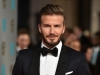 Arata ca un tocilar inainte de a deveni star! Imagine inedita cu David Beckham - FOTO