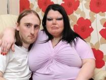 Cea mai geloasa femeie din Anglia a pozat goala: