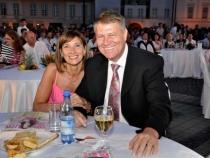 Carmen Iohannis, aparitie uluitoare la ultimul eveniment. Uite ce rochie eleganta a purtat!