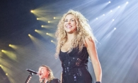 Shakira, incredibil de sexy intr-o rochie neagra ultra scurta. Cum a aratat la una dintre rarele aparitii publice