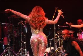 Un singur exercitiu iti garanteaza un posterior ca la Jennifer Lopez. Vezi care - FOTO