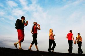 4 moduri de a arde mai multe calorii in timpul mersului. Vezi care sunt