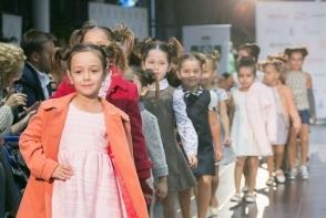 Brandul Crème Brule iti prezinta colectiile pentru micii fashionisti. Coloreaza-i garderoba copilului tau - VIDEO