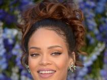 Rihanna s-a depasit pe sine. Aceasta a aratat impecabil la o prezentare de moda - FOTO