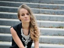 Cum sa iti schimbi tinuta de birou in una de seara? Vezi cateva sfaturi oferite de fashionista Valeria Cantir - VIDEO
