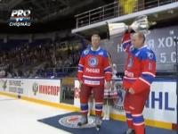 Vladimir Putin a mers de ziua lui la un meci de hochei la Soci. O artista i-a urat liderului de la Krmline, sa auda noaptea vocile ostasilor morti in Donbass - VIDEO