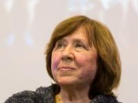 Premiul Nobel pentru Literatura, decernat scriitoarei din Belarus Svetlana Alexievici. Ce sanse avea Mircea Cartarescu