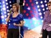 Le mai tii minte? Gemenele Olesea si Elena Croitoru i-au luat la rost pe juratii de la X Factor si au cazut pe scena