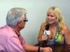 O jurnalista a ramas in sanii goi in timpul interviului cu un primar!  Reactia edilului, de milioane - VIDEO
