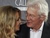 Richard Gere e unul dintre cei mai populari actori, dar putini stiu cum arata iubita lui! Vezi cum au aparut la un eveniment - FOTO