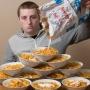 El e Patrick si mananca 13 portii de cereale cu lapte zilnic! Cum arata barbatul, dupa ce a consumat peste 600 de kilograme de zahar - FOTO