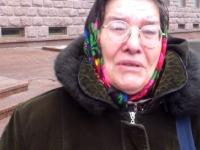 O femeie cu 11 copii cere ajutor de la autoritati, altfel isi da foc in PMAN - VIDEO