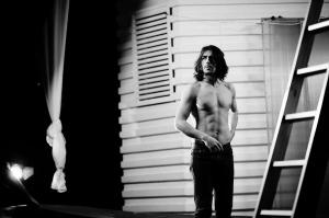 """El este actorul sexy din videoclipul piesei """"Sub pielea mea"""" de Carla's Dreams. Cunoaste-l pe Cristian Perepeliuc, la O Seara Perfecta - VIDEO"""