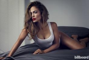 Un bust natural tonifiat si sexy! Vezi cum poti sa-l obtii cu ajutorul sportului - VIDEO