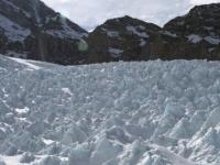 """Cadavrul celui mai mare alpinist din lume, gasit in Himalaya la 16 ani dupa disparitia sa. """"A fost inghetat in timp"""""""