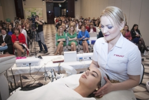 Brandul Rowe, acum si in Moldova! Acesta a organizat un eveniment inedit dedicat rejuvenarii faciale si frumusetii corporale - VIDEO