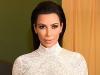 Kim Kardashian a imbracat o rochie prea mulata pentru bustul sau imens! Vedeta a fost la un pas de un accident vestimentar