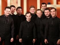Magie si atmosfera divina la concertul aniversar al trupei Bravissimo. Acestia si-au uimit fanii cu o prestatie de exceptie, dar si un dans din buric - VIDEO