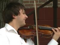 Concert gratuit pe strada pietonala din capitala. Ionel Manciu a adus un omagiu Chisinaului cu ocazia celor 580 de ani ai orasului - VIDEO