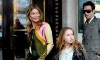 Calca pe urmele mamei sale! Fiica lui Kate Moss, pe coperta revistei Vogue! Cum a pozat aceasta la doar 13 ani - FOTO