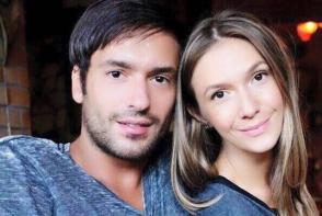 Adela Popescu a nascut! Artista este in al noualea cer de fericire - FOTO