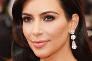 Cum reuseste sa se readuca in forma Kim Kardashian dupa nastere. Vezi ce regim alimentar are vedeta