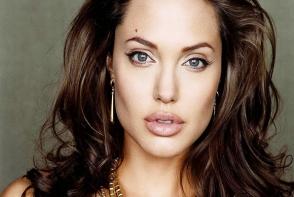 Imagini emotionante cu Angelina Jolie. Vezi ce declaratii a facut Brad Pitt despre divort -FOTO