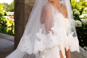 O interpreta de la noi se marita astazi! Vezi cine este si ce rochie spectaculoasa a ales sa poarte mireasa - FOTO