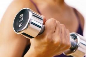 Cardio sau exercitii cu greutati? Vezi cea mai usoara metoda de a slabi