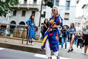 Street style: Cele mai fabuloase tinute de pe strazile din Milano - FOTO