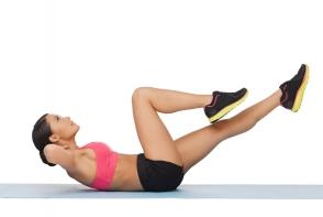 7 exercitii care te scapa de durerile de spate. Iata cum sa le faci corect