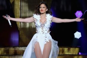 Jennifer Lopez, splendida de-a lungul anilor. Vezi in ce costume sexy sclipeste pe scene! - FOTO