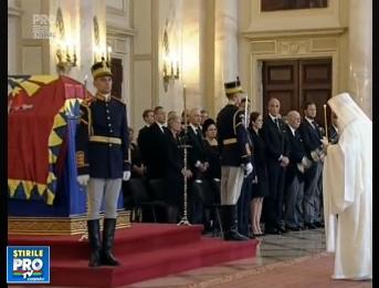 Doliu in Romania, dar si in Republica Moldova. Regina Ana a fost condusa pe ultimul drum: Regele Mihai nu a fost prezent - VIDEO