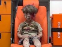 """UE a cerut """"oprirea imediata"""" a luptelor in Alep dupa imaginea cutremuratoare a baietelului sirian, plin de moloz si sange"""