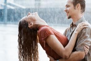 10 gesturi care par romantice in filme, dar nu sunt la fel si in viata reala