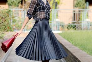 4 fuste plisate la moda care te pun in evidenta toamna asta. Trebuie neaparat sa le ai in garderoba - FOTO