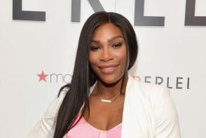 Serena Williams a stralucit intr-o tinuta eleganta, la lansarea liniei sale de sutiene. Vestimentatia aleasa i-a pus in evidenta silueta muschioasa - FOTO