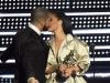 Rihanna si Drake, cel mai celebru cuplu al Hollywoodului. Cum s-a imbracat vedeta pentru intalnirea cu cel mai fidel admirator - FOTO