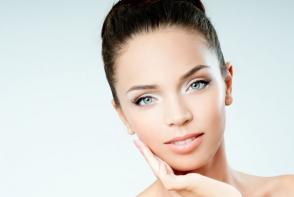 Ce fac modelele pentru o piele impecabila. Cele 5 trucuri pe care trebuie sa le furi din rutina lor de infrumusetare