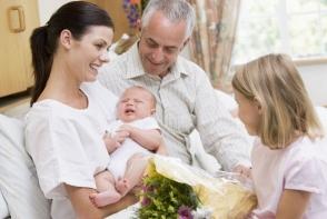 Vizita la nou nascut. Iata cateva sfaturi pentru o impresie excelenta