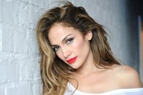 Jennifer Lopez, poza emotionanta alaturi de fiul sau. Vezi ipostaza in care a fost surprinsa mama si fiul - FOTO