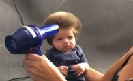 E cel mai popular bebelus al momentului. Junior are doar doua luni si e deja vedeta datorita podoabei sale capilare - VIDEO