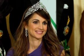 Regina Rania este o impatimita a modei. Iata tinuta surprinzatoare cu care s-a afisat la un eveniment - FOTO