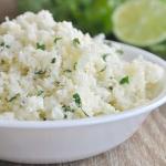 Salata calda din conopida, cu lime si coriandru
