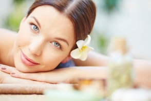 Tratamente spa de relaxare: 3 rasfaturi spa pe care poti sa le faci acasa