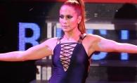 Jennifer Lopez s-a dezlantuit pe scena! Si-a aratat fara jena zonele intime - FOTO