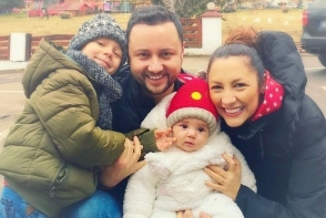 Fetita Andrei a facut senzatie in mediul virtual! Vezi cat de mare a crescut Eva - FOTO
