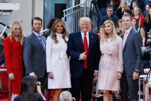 Familia lui Donald Trump, o adevarata frumusete! Vezi cat de senzuale sunt fiicele lui - FOTO
