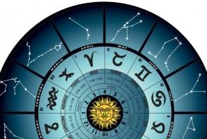 Horoscopul lunii decembrie 2016. Taurii au parte de rasturnari de situatie, iar Racii traiesc o mare bucurie